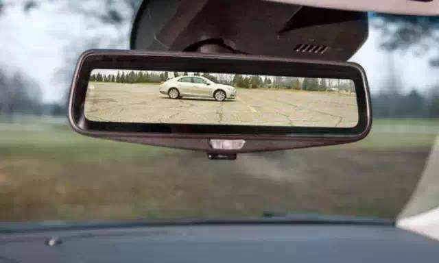 《后视镜没调好行车安全减一半!这些方法你学会没?》